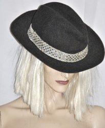 Flitteres sötétszürke kalap
