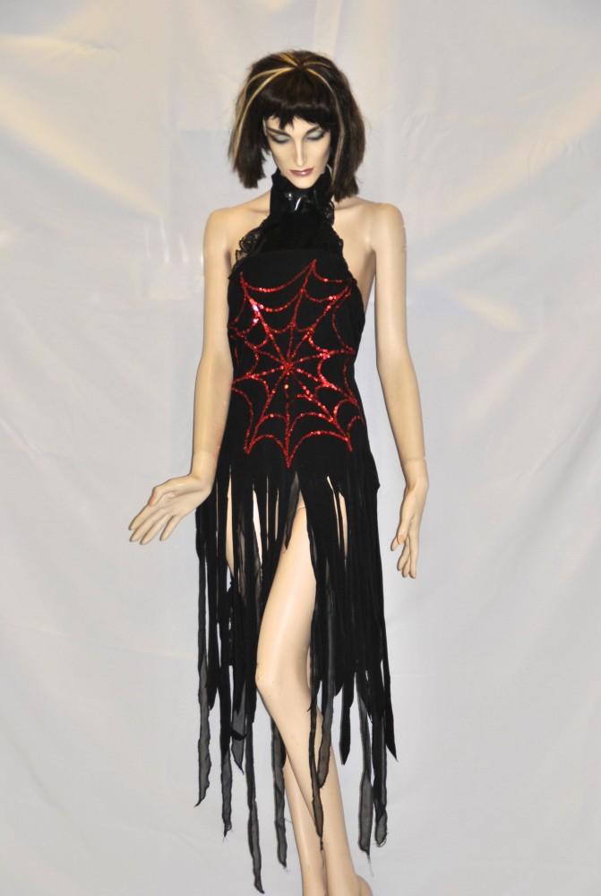 Vámpír jelmezek - Broadway egyedi ruha és jelmezkölcsönzés 7169008bbc
