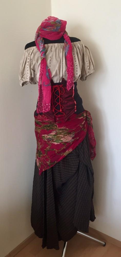 kaloz noi jelmez - Broadway egyedi ruha és jelmezkölcsönzés 1683ffd9bf