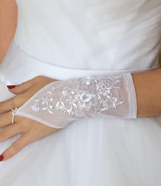 menyasszonyi ruha - Broadway egyedi ruha és jelmezkölcsönzés de3e76cbb1