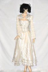 Fehér-ezüst keringő ruha